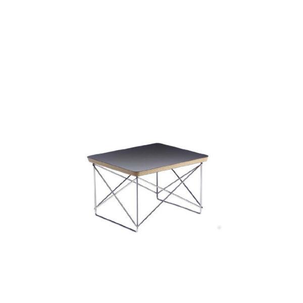 Esstisch von Vitra im Eames Design