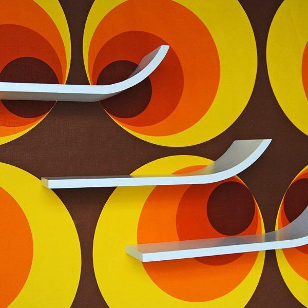 3 Wandregale im Retro Design Tapete 70er